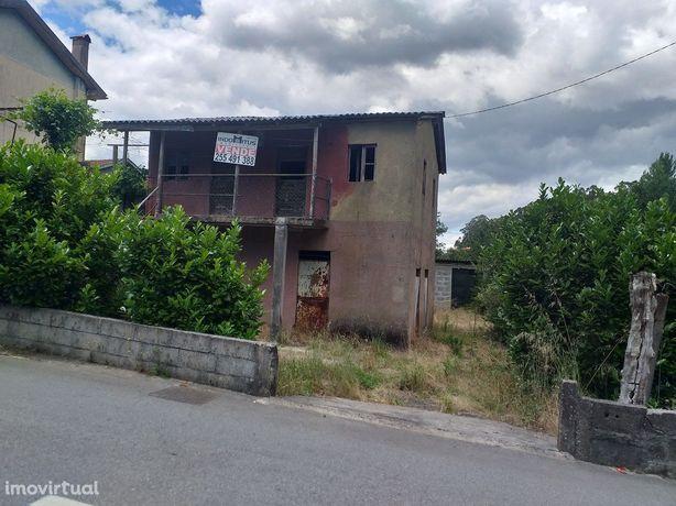 Moradia Restauro com 10.000m2 de terreno em Jugueiros