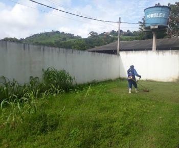 Limpezas de terrenos e jardins