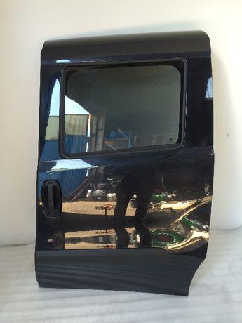 Fiat Doblo lewe drzwi przesuwane 2012