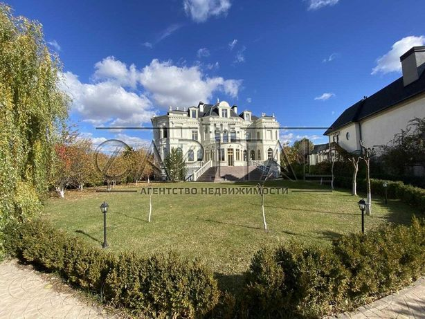 Продажа 3-этажного дома 1060 м2 в Козине, Обуховский р-н