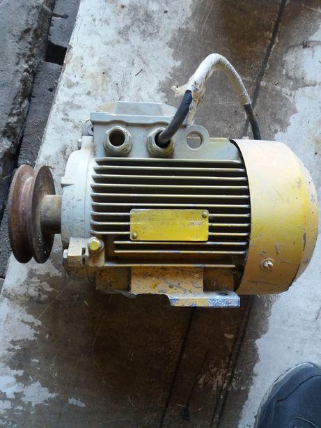 Асинхронный двигатель електро