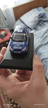 Коллекционная машынка форд фокус