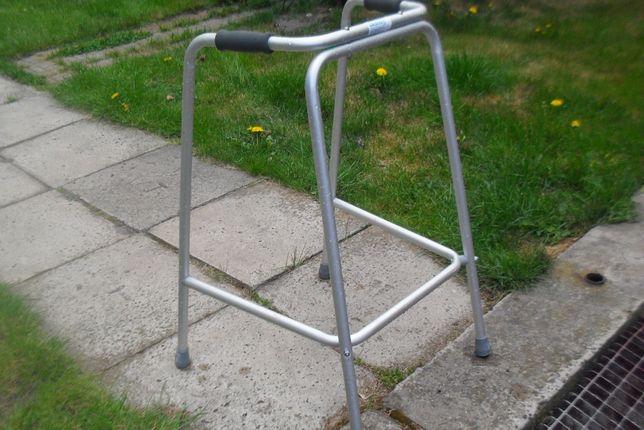 sprzedam chodzik dla osoby z problemem chodzenia