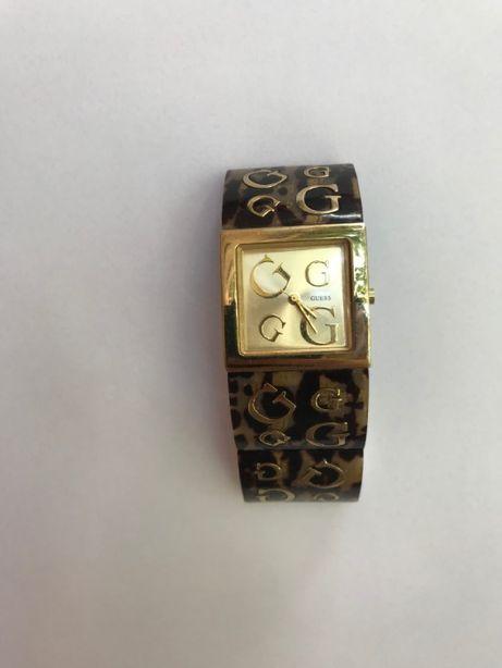 Наручные часы GUESS кварцевые Gucci позолоченные