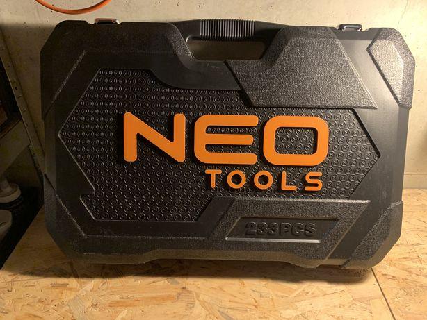 Zestaw narzedzi Neo Tools 233 elementów (08-681)