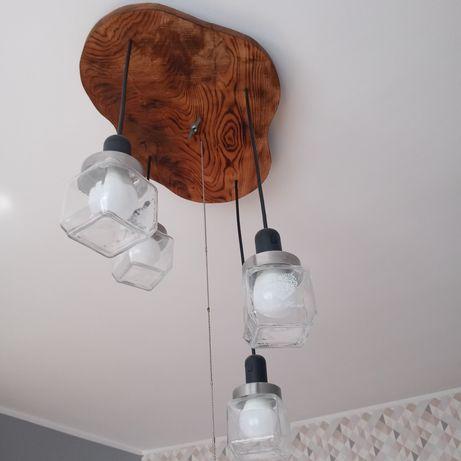 Lampa wlasnorecznie zrobiona z deski dębowej