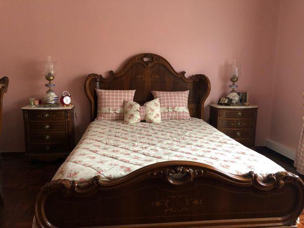 Mobília de quarto casal Antique