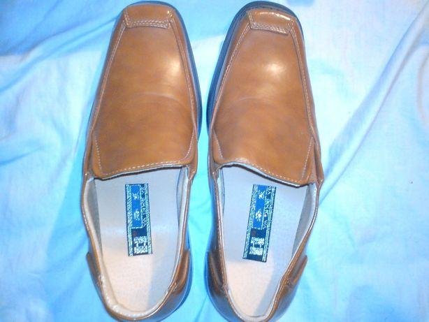 туфли на мальчика новые р.36