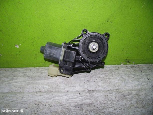 PEÇAS AUTO - Ford Fiesta - Motor do Elevador Frente Esquerdo - EL503