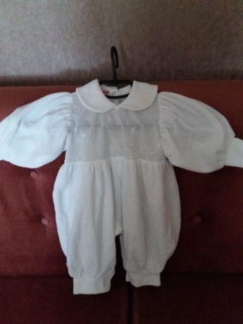 Нарядный  костюм для девочки на рост 68