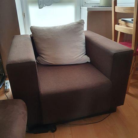 Fotel brązowy zadbany