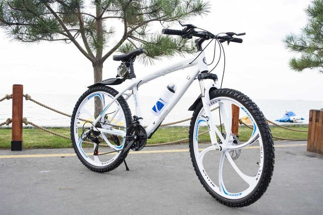 【СУПЕР ВЫБОР】 Велосипед горный BMW BLACK WHITE на литыx диckах W0015