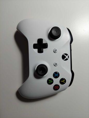 Biały Pad Xbox One