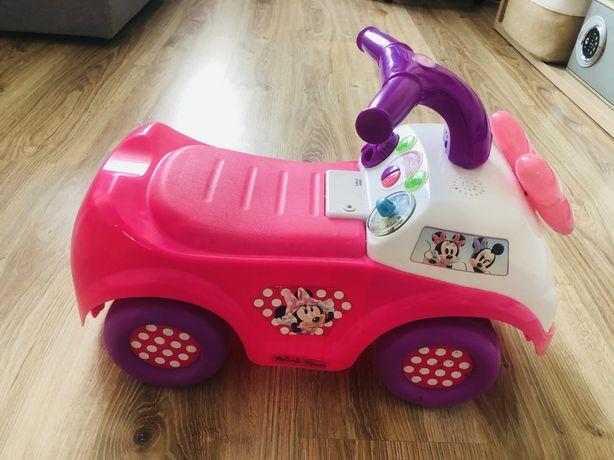 Машинка , машина толокар Disney