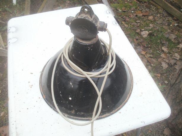 stara lampa emaliowana