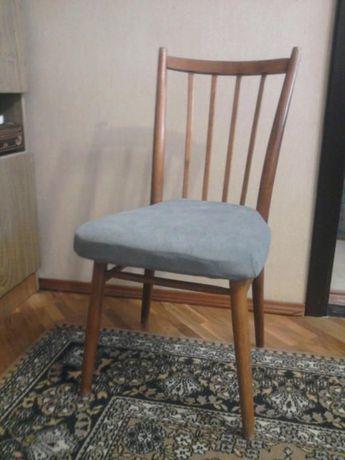 Клевые стулья для столового гарнитура. Дерево, мягкие сидения!