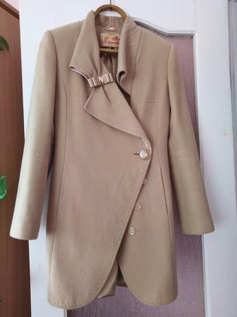 ПРОДАМ пальто 44 розмір