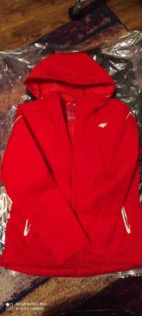 Sprzedam damską kurtkę narciarską 4f