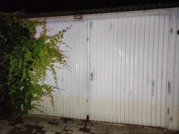 Brama garażowa 2 skrzydła