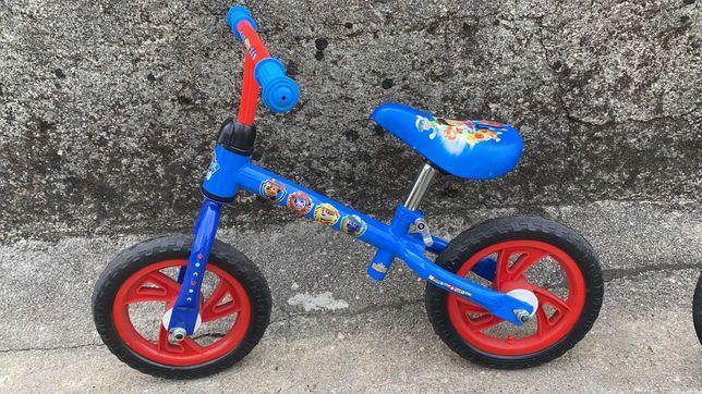 Bicicleta de aprendizagem sem pedais