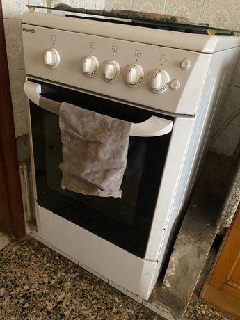 Electrodoméstico fogão, forno velho