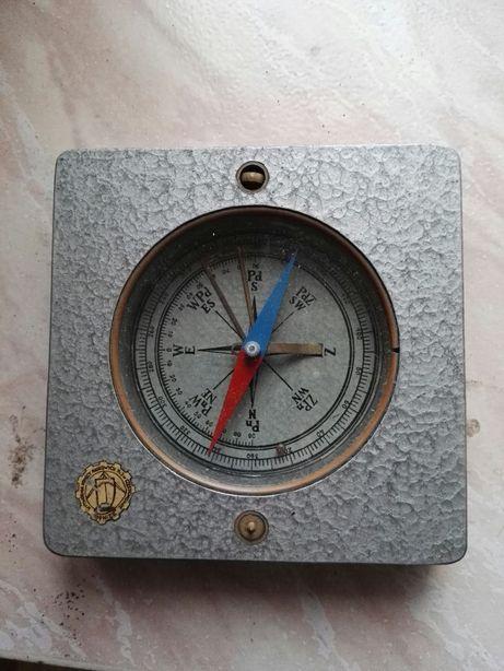 Zabytkwy kompas( busola )