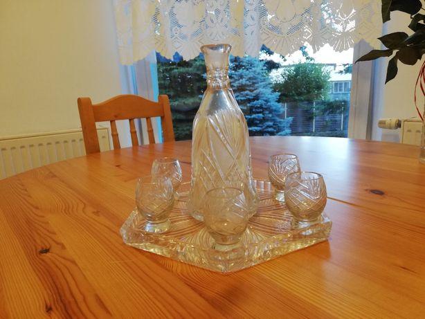 Kryształowa karafka z 6 kieliszkami i tacą