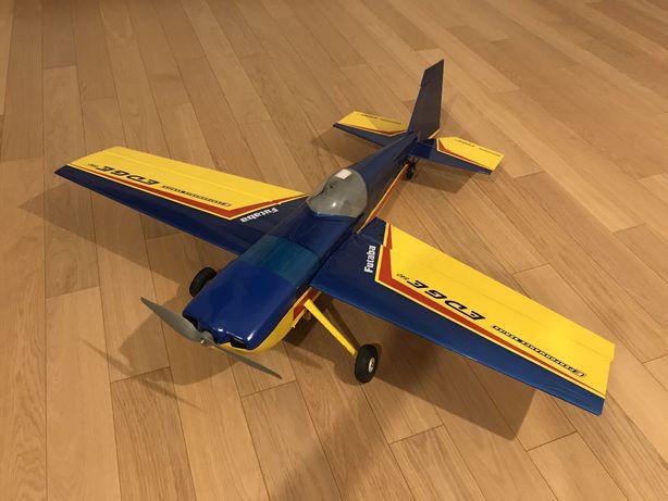 Model samolot RC akrobat Edge 540 ElectriFly