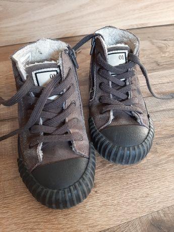 Утеплені кросівки Zara