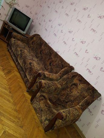 продам двухспальный диван и 2 кресло.