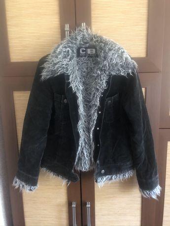 Демисезонная куртка, тёплая, с отстёгивающимся мехом s-м