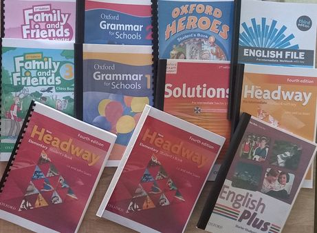 English Plus, Family and Friends, Solutions,Headway, English File.