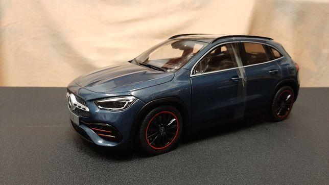 Miniatura Mercedes GLA AMG - escala 1/18 - Solido