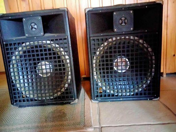 Sprzedam dwie duże kolumny głośnikowe z wbudowanym wzmacniaczem