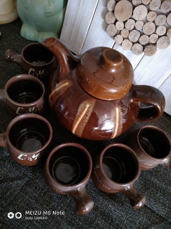 Продаю глиняный чашки и заварник.
