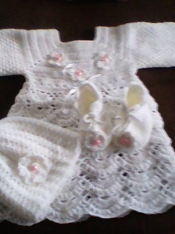 sukieneczka +czapeczka +buciki