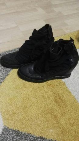Botki koturny sneakersy skóra