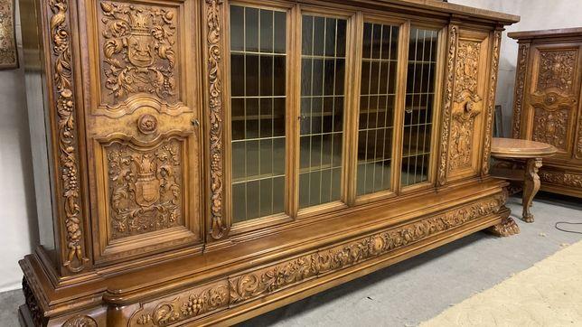 Шкаф Библиотека Шафа книжкова Старинная мебель Диваны кожаные