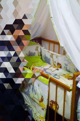 Бортики с постельным в кроватку малышу салатовые
