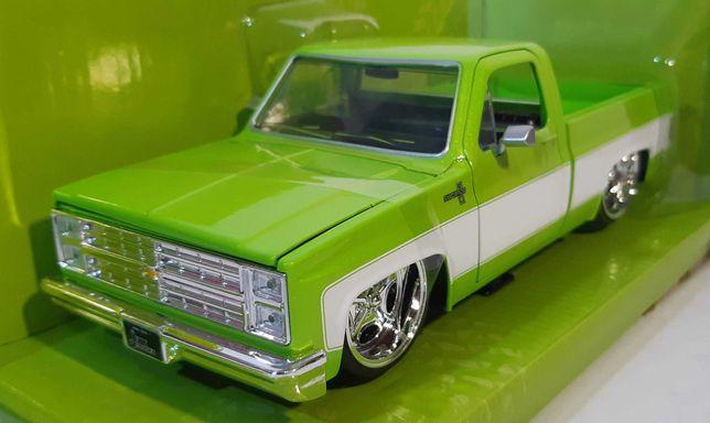 1/24 Chevrolet C10 Custom - Jada Toys