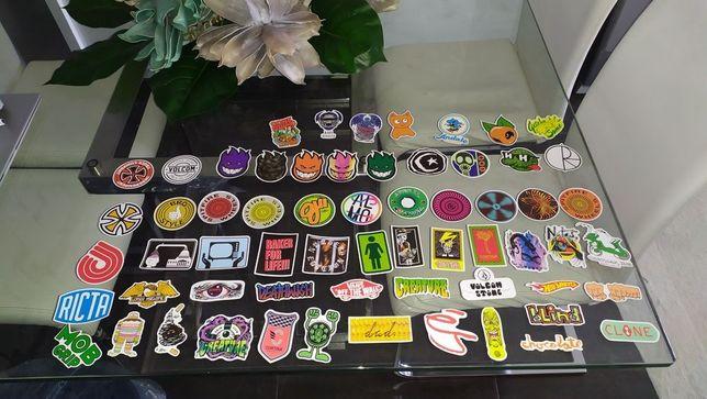 62 autocolantes marcas skate , surf etc..
