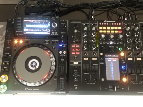 Pioneer CDJ 2000 nexus DJM 2000 nexus