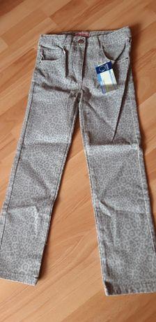 Spodnie rozmiar 134