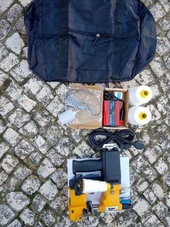 Máquina coser 12v/220v Mala, 2 Cones de Linha