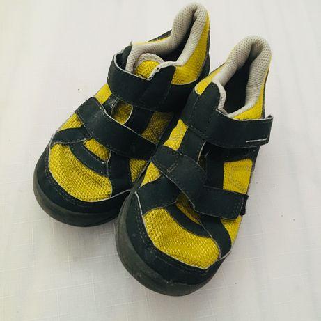 Buty QUECHUA chłopięce