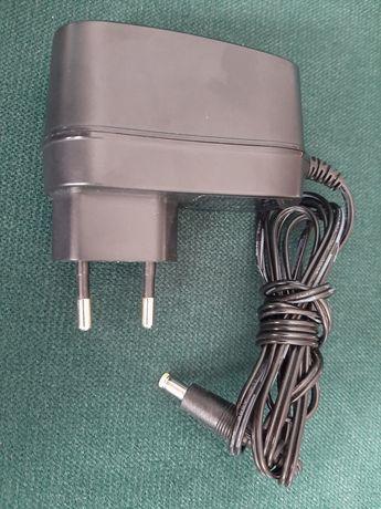Uniwersalny zasilacz impulsowy 12V i 15V 1A wtyk prosty