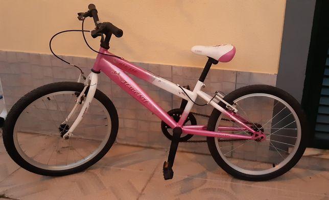 Bicicleta branca e rosa de menina, roda 20
