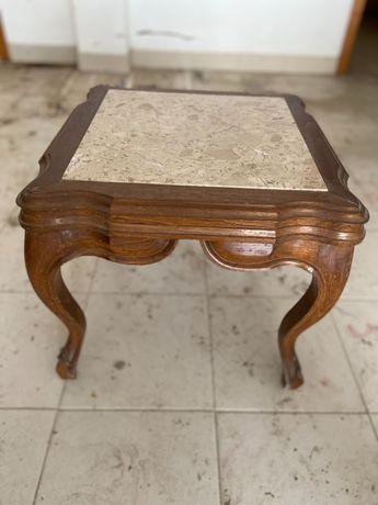 Mesa de apoio antiga com tampo em mármore