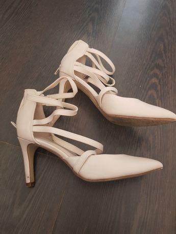 Sandałki rozm38