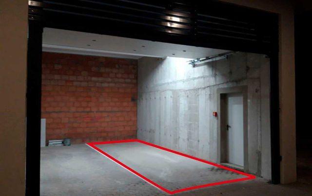 Wynajmę miejsce parkingowe w garażu w centrum Łodzi